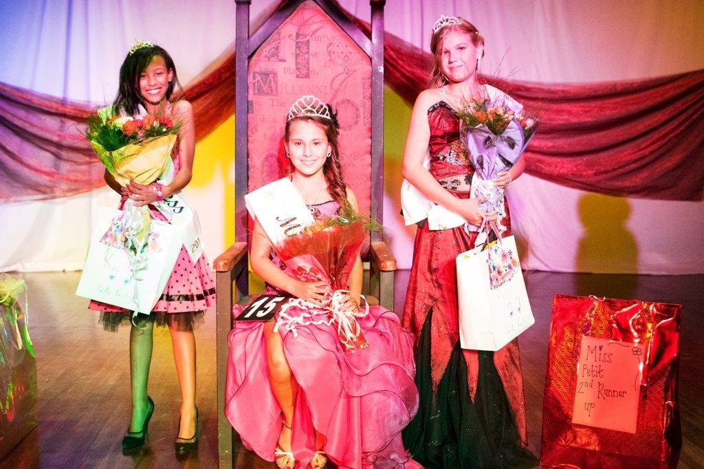 Jnr Miss Lantern & runners up